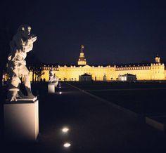 Gute #Nacht #Karlsruhe! Wir hoffen ihr hattet alle ein schönes #Wochenende!  #visitkarlsruhe #visitbawu #bwjetzt #meinbw #travel #travelgram #nightshot #nightgram #castle #instalike #statue #night #weekend #sunday #explore #citylife #citylights #lights #schloss #karlsruhecity #schlosskarlsruhe #dark #palace #black #gold