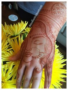 Mehndi Designs will blow up your mind. We show you the latest Bridal, Arabic, Indian Mehandi designs and Henna designs. Henna Tattoo Designs Simple, Floral Henna Designs, Latest Bridal Mehndi Designs, Mehndi Designs Book, Legs Mehndi Design, Stylish Mehndi Designs, Mehndi Design Pictures, Wedding Mehndi Designs, Dulhan Mehndi Designs