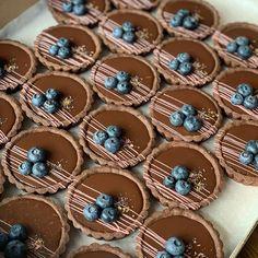 Fancy Desserts, Delicious Desserts, Stand Mixer Recipes, Egg Tart, Cheese Tarts, Mini Tart, Savory Tart, Food Displays, Sweet Tarts