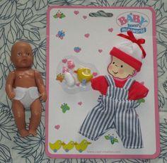 Zapf Creation Baby born miniworld Puppe + Bekleidungsset Latzhose & T-Shirt