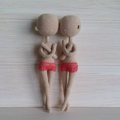 Как же я люблю своих лысых малышек! Вяжу сразу двух куколок, теперь осталось самое трудное - одеть, обуть и лицо  вышить.  #кукла #куклакрючком #вязанаякукла #авторскаякукла #амигуруми #ручнаяработа #кукларучнойработы #мастеркрафт #кукольныймастер #crochet #crochetdoll #handmade #handmadedoll #weamiguru #toys_gallery #villy_vanilly_shop