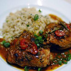 Mumbai style chicken with rice pilaf – Kolay yemek Tarifleri Spicy Recipes, Curry Recipes, Indian Food Recipes, Asian Recipes, Chicken Recipes, Cooking Recipes, Healthy Recipes, Indian Foods, Veg Recipes