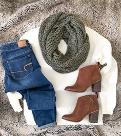 white sweater jeans brown booties scarf - Outfits for Work Cute Fall Outfits, Fall Winter Outfits, Autumn Winter Fashion, Casual Outfits, Dress Winter, Simple Outfits, Everyday Outfits Simple, Jeans Outfits, Everyday Fashion