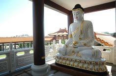 5 razões para visitar o Templo Zu Lai em Cotia (SP)