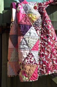 triangles prints with solids, print back love the triangle quilting