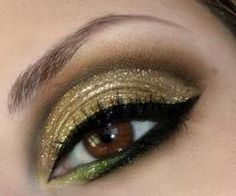 Greed - a very excessive desire and pursuit of wealth, status and/or power. Punishment for greed is to be boiled alive in oil. The virtue for greed is charity. Gold Eye Makeup, Gold Eyeshadow, Makeup For Green Eyes, Bright Makeup, Black Makeup, Dramatic Makeup, Makeup Trends, Makeup Tips, Beauty Makeup