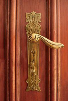 Art Nouveau door handle, Berlin, Gutzkowstr. 7
