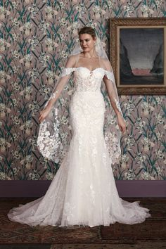 15 New Wedding Gowns That Will Leave Them Speechless BridalGuide Fancy Wedding Dresses, Wedding Dress Pictures, Wedding Gowns, Modest Wedding, Bridal Dresses, Tulle Ball Gown, Ball Gowns, Justin Alexander Bridal, Beaded Gown
