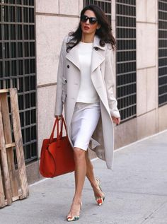 Amal Clooney knows how to accessorize