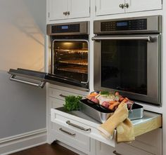 Kitchen Remodeling in Lincoln Nebraska, The Ergonomic Kitchen: Ergonomic Wall Oven.flame and hot surfaces. Double Oven Kitchen, Kitchen Oven, Kitchen Cabinets, Kitchen Appliances, Tudor Kitchen, Kitchen Witch, Under Counter Oven, Oven Cabinet, Best Kitchen Designs