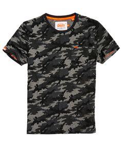 SUPERDRY Angebote Superdry Orange Label T-Shirt mit Brusttasche und Tarnmuster: Category: Herren / T-Shirts / T-Shirt mit Print…% Polo Shirt Outfits, Mens Trends, Moda Casual, Superdry Mens, Herren T Shirt, Casual Shirts For Men, Shirt Style, Camo, Orange
