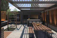 Espacio Quincho : Balcones y terrazas modernos de TDC - Oficina de arquitectura