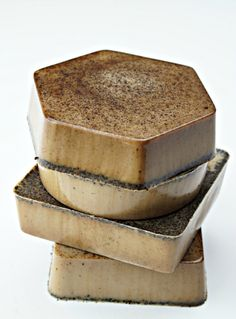 DIY Espresso Soap - Melt and Pour soap, easy recipe for beginners, would make a great gift. PIN NOW USE LATER