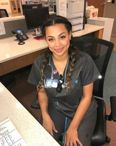 Cute Nursing Scrubs, Cute Scrubs, Nursing Clothes, Cute Nurse, Sexy Nurse, Pretty Black Girls, Beautiful Black Women, Nursing Goals, Nurse Aesthetic