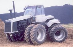 Caterpillar Experimental Four-Wheel Drive Ag Tractor - September ...