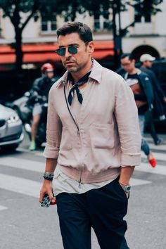 Style Men's Street Style Paris, Cool Street Fashion, Paris Fashion, Mens Fashion, Paris Style, Style Fashion, Fashion Trends, Suit Man, What To Wear Today