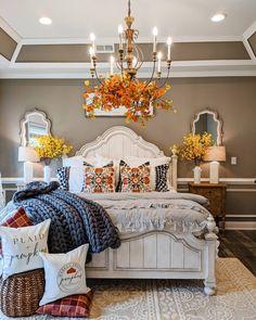 Fall Bedroom Decor, Fall Home Decor, Autumn Home, Bedroom Ideas, Pretty Bedroom, Dream Bedroom, Home Bedroom, Master Bedroom, Guest Bedrooms