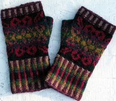 Available as a kit only. Set includes beret and hand warmers/gloves. Fingerless Gloves Knitted, Knit Mittens, Wrist Warmers, Hand Warmers, Knitting Yarn, Hand Knitting, Crochet Mitts, Fair Isle Knitting Patterns, Mittens Pattern