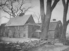 Between 1637 and 1641, Puritan settler Jonathan Fairebanke built a home for his family in Dedham, Massachusetts using nearby timber resources. The house remained in the Fairebanke family for eight generations until the 20th century when it became a historic museum.