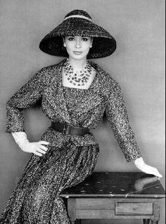 1959 Sondra Peterson, silk print dress, Dior, photo: Philippe Pottier