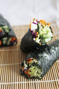 This Rawsome Vegan Life: raw nori wraps with red cabbage, cucumber, carrots, zucchini  spicy dipping sauce from @emilyvoneuw