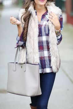 Faux Fur & Plaid… How to wear a fur vest! It's all about layering for this fall and winter – wear that fur vest over your favorite plaid or flannel top for a weekend casual look that's sure to impress! Cold Weather Outfits, Fall Winter Outfits, Winter Wear, Autumn Winter Fashion, Winter Style, Fur Vest Outfits, Casual Outfits, Mode Outfits, Fashion Outfits