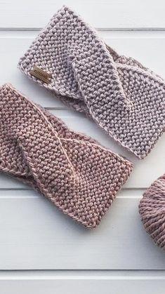 How To Easy Crochet Stirnband Ideen und kostenlose Muster 2019 Seite 20 von 32 a. - How To Easy Crochet Stirnband Ideen und kostenlose Muster 2019 Seite 20 von 32 apro – Power - Poncho Crochet, Crochet Stitches, Crochet Hats, Crochet Ideas, Flower Crochet, Easy Crochet Headbands, Baby Headbands, Winter Headbands, Knit Headband Pattern