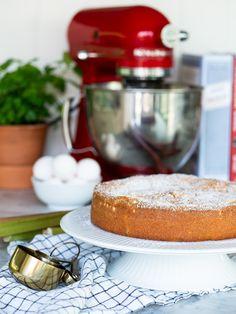 Mormors rabarberkaka | Brinken bakar Pudding, Cheese, Desserts, Food, Twists, Muffins, Inspiration, Tailgate Desserts, Chunky Twists