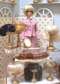 Doll Divas - Diorama Portfolio - Barbie wig shop, how to make it yourself Barbie Shop, Barbie I, Barbie House, Barbie World, Barbie Clothes, Barbie Stuff, Barbie Diorama, Vintage Barbie, Vintage Toys