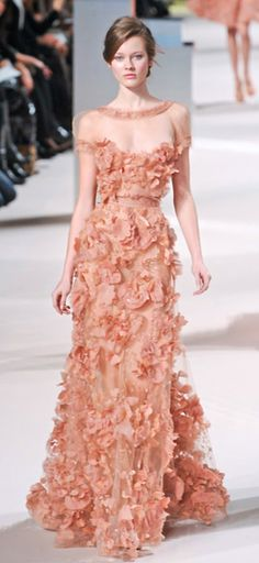 Elie Saab is a f***ing genius, why would the rich and famous wear anything other than Elie Saab!??