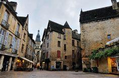 Entre los pueblos de Francia donde hacer un viaje a tiempos medievales, Sarlat