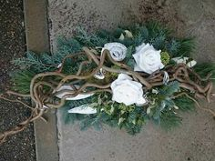Arrangement with corkscrew hazel Christmas Flower Arrangements, Fall Floral Arrangements, Funeral Flower Arrangements, Grave Flowers, Altar Flowers, Funeral Flowers, Deco Floral, Arte Floral, Ikebana