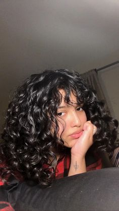 Find help with your hair, recommendations on products, technique advice. 3a Curly Hair, Curly Hair Styles, Natural Hair Styles, Girls With Curly Hair, Curly Bangs, Hair Inspo, Hair Inspiration, Cut My Hair, Aesthetic Hair