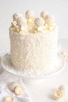 Rafaello cake // Coconut Almond Cake covered with shredded coconut Almond Coconut Cake, Coconut Custard, Almond Cakes, Coconut Cakes, Rafaello Dessert, Rafaelo Cake, Coconut Cake Decoration, Amaretto Cake, Swiss Meringue Buttercream