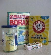 Powdered Detergent 2 cups finely grated soap 1 cup washing soda 1 cup borax Mix well and store in an airtight plastic container. Use 2 tablespoons per full load. Powder Laundry Detergent, Homemade Laundry Detergent, Spider Killer, Weed Killer Homemade, Washing Soda, Cleaning Hacks, Cleaning Products, Cleaning Supplies, Cleaning Items