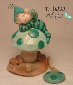 Duende Hada bebe durmiendo en hongo souvenir1 by Tu Hada Mágica, via Flickr