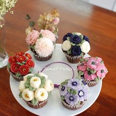 Korea 3D flower buttercream cake ,SweetPetalCake
