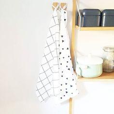 Foto van @lonk_design Deze leuke theedoeken met ruit- en driehoekjesprint (50 x 70 cm) zijn samen voor 4 te koop bij Kwantum. De directe link vind je weer in mijn Instastories. :)