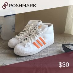 Adidas Shell toe Pro Model Adidas Pro Model shell toes! Comfortable and stylish! Great condition! Adidas Shoes Athletic Shoes