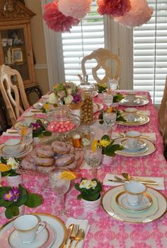 table setting for a shower Tea Time, Tea Party, Shower Ideas, Table Settings, Baby Shower, Table Decorations, Home Decor, Babyshower, Table Top Decorations