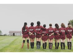 Unique bridesmaid gift idea for fall or winter wedding - monogrammed flannel shirts! Great alternative to the classic monogrammed bathrobe or oxford shirt gift idea {Enderes Photography}