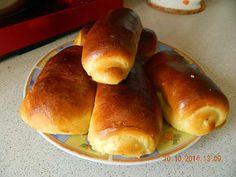 La meilleure recette de Petits pains au chocolat briochés! L'essayer, c'est l'adopter! 5.0/5 (9 votes), 21 Commentaires. Ingrédients: 300 gr de farine, 40 gr de sucre, sel, 1 sachet de levure de boulanger, 1 oeuf, 100 gr de beurre, 12 cl de lait, chocolat Croissants, Beignets, Crepes, Hot Dog Buns, Bread Recipes, Tupperware, Biscuits, Panna Cotta, Brunch