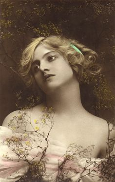 Classic Vintage Women | ... free download this month is this elegant image of an Edwardian woman