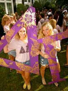 Pretty Bid Day Letters from Delta Gamma at University of Washington