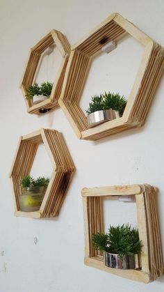 Home decor diy cream sticks Diy Crafts For Home Decor, Diy Crafts Hacks, Diy Home Decor Bedroom, Diy Arts And Crafts, Craft Stick Crafts, Diy Decorations At Home, Handmade Home Decor, Creative Crafts, Craft Ideas