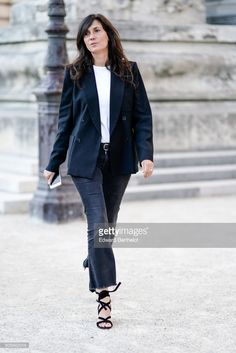 Emmanuelle Alt , outside the Giambattista Valli show, during Paris Fashion Week - Haute Couture Fall/Winter 2017-2018, on July 3, 2017 in Paris, France.