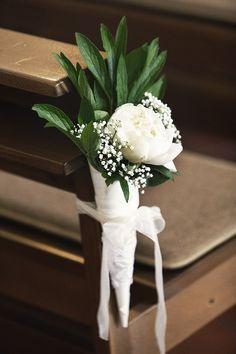 Kirchendekoration, Gangdekoration, Bankdekoration, Hochzeitsdekoration, weisse Rose