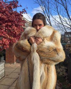 Emma Watson in golden island fox fur coat by Queens-Of-Fur on DeviantArt Coyote Fur Coat, Fabulous Fox, Stunning Brunette, Fox Fur Coat, Fur Fashion, Fashion Models, Fur Collars, Fur Jacket, Coats For Women