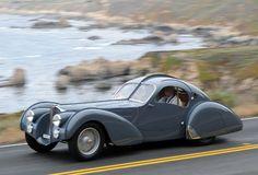 1937 Bugatti Type at Pebble Beach Tour cars sport cars vs lamborghini sports cars Vintage Sports Cars, Retro Cars, Vintage Cars, Antique Cars, Bugatti Veyron, Bugatti Cars, Tricycle, Bugatti Type 57, Art Deco Car