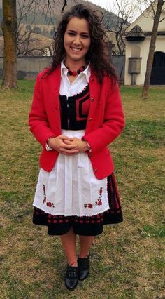 """I'm placing this photo in the Transylvania/Romania group. with a Hungarian """"link"""" Transylvania Romania, Folk Dance, People Of The World, Hungary, Ukraine, Beautiful People, Ethnic, Treats, Traditional"""